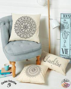 Housse de coussin - Zip - 100% Coton - dessins Flower Galactic, Aum et Chocolatine - à partir de 15€
