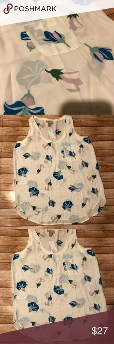 Just In 🌟 NWT LOFT Sleeveless Blouse NWT LOFT Sleeveless Blouse 👚 Small pocket in front 🌟 BUNDLE AND SAVE! 🌟 Reasonable Offers Welcomed LOFT Tops Blouses