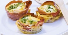 TRY this Spring recipe for pea, prosciutto and feta frittatas. Breakfast For A Crowd, Breakfast Recipes, Breakfast Ideas, Snacks For School Lunches, Work Lunches, Family Meals, Kids Meals, Frittata Recipes, Low Carb Lunch