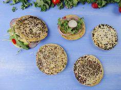 Pan que no engorda en 5 minutos | Jorge Saludable Good Healthy Recipes, Vegan Recipes, Snack Recipes, Snacks, Calorie Tracker, Pan Bread, Cheat Meal, Sin Gluten, Vegan Life