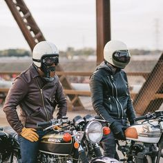 Enjoying a brisk Sunday ride. Fall is definitely here! Photo by @roy.son. Jackets by @vansonleathers and @bodaskins. Check tags in the photo for additional brands. #croig #caferacer #caferacersofinstagram