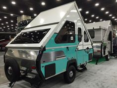 2016 Aliner classic limited Anniversary edition only 84 will be made like this Truck Camping, Diy Camping, Camping Stove, Pet Car Seat Covers, Car Seats, Aliner Campers, A Frame Camper, Pickup Camper, Small Rv