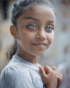 Beautiful Eyes Color, Pretty Eyes, Cool Eyes, Beautiful Children, Beautiful Babies, Attractive Eyes, Aesthetic Eyes, People Of The World, Dark Skin