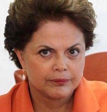 """15 de junho de 2014 às 21:13 · Recife ·  https://br.noticias.yahoo.com/…/como-tratar-um-presidente-1… A maioria dos brasileiros não aguenta mais!!!!!!!!!!!!!!!! comentário: Muito antes do povo dizer """"va t_ _ _ _ no __ a nossa presidente disse """"F#D.-SE O POVO quando lançou o """"mais médicos"""", enquanto ia no Sírio-Libanês. No caso da Petrobrás, das obras super-faturadas, nos milhões de à Cuba, o perdão da dívida de vários países africanos e inda pronta para emprestar mais dinheiro. Foi gasto ."""