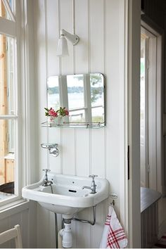 Easy Ways To Love Your Home; Farmhouse Bathroom Decor Ideas As far as home-improvement projects go, it's not the scale of the changes that you make. Bad Inspiration, Bathroom Inspiration, Bathroom Interior, White Bathroom, Very Small Bathroom, Small Sink, Design Bathroom, Small Bathrooms, Bathroom Styling