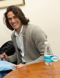 Edinson Cavani Sweet Guys, Cute Guys, Fifa, Edison Cavani, Paris Saint Germain Fc, Psg, Soccer Players, Men Sweater, Handsome