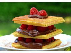Nutella-Waffle Cake
