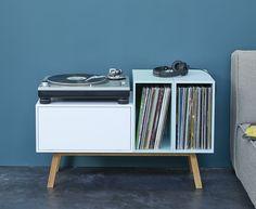 Petit buffet pour ranger platine et disques vinyle                                                                                                                                                                                 Plus