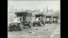 Livraison d'une série de camions Renault. Même si les moteurs restaient peu puissants, certains camions-tracteurs, notamment destinés à l'artillerie, donc à déplacer des canons lourds dans toutes les conditions de terrain, étaient déjà sophistiqués techniquement : 4 x 4, 4 roues directrices, treuils, garde-au-sol très élevée. Ce conflit est le premier au cours duquel la logistique a joué un rôle clé,