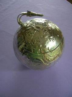 VINTAGE SPACE ROCKET & GLOBE ICE BUCKET! WHAT A RARE BLAST FOR YOUR BAR!