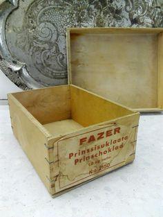 Fazerin vanerinen Prinssisuklaa  laatikko