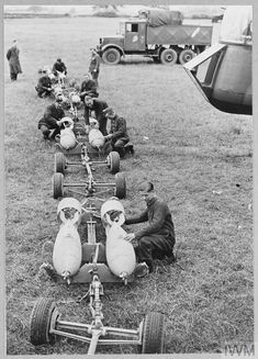 Lancaster Bomber, Maximum Effort, Land Girls, Battle Of Britain, Ww2 Aircraft, Pista, Royal Air Force, Caption, Weapons
