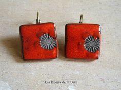 carrées rouge et miya fond brut -  Les bijoux de la Diva
