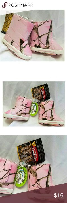 Realtree Baby Deer Camoflauge Boots Size 2 Realtree Baby Deer Pink Camoflauge Boots Infant  Size 2 (3 - 6 months) NWT  Made by: Baby Deer - Realtree Hardwoods  Man made upper  From the tag: High-definition multi-terrain camo designed to perform in any season ....at any distance.  Velcro closure along the side Baby Deer Shoes Boots