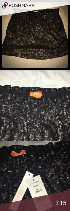 Joe Fresh Black Sequin Skirt NEW WITH TAGS. Size Large. Elastic waistband and has some gathering at the top for its meant to be worn with a shirt that's tucked in. Short in length - stops above the knee. Sequins don't seem to catch onto things. Joe Fresh Skirts Mini