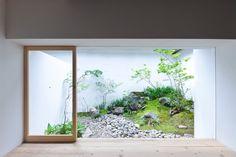 Japanese internal garden. AWOMB by Endo Shojiro Design