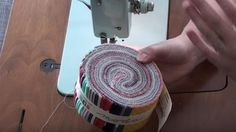 I've always wanted to learn how to make one of these and after watching this… Quilting For Beginners, Quilting Tips, Quilting Tutorials, Quilting Projects, Quilting Designs, Sewing Projects, Sewing Tips, Quilting Patterns, Machine Quilting