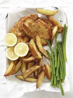 Dis vinnig, dis maklik en die meeste van die bestanddele het jy reeds in jou koskas. Chicken Fillet Recipes, Chicken Breast Fillet, Cookbook Recipes, Meat Recipes, Cooking Recipes, Recipies, Cooking Ideas, Kos, Chicken Schnitzel