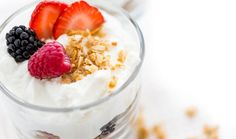 Healthy Recipe From Joy Bauer's Food Cures Berry-Granola Power Parfait Good Food, Yummy Food, Best Breakfast Recipes, Breakfast Meals, You Draw, Health Eating, Morning Food, Fruits And Veggies, Greek Yogurt