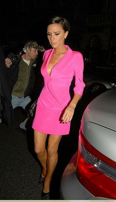 Victoria Beckham Fashion Look not often you see her in bright colours...I'm liking. A lot!