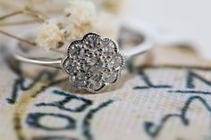 Victorian style daisy cluster diamond ring in white gold or yellow gold/ Daisy Ring/ Daisy Diamond Ring/ Diamond Ring/ Wedding/ Engagement