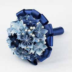 Origami for Everyone – From Beginner to Advanced – DIY Fan Paper Flower Centerpieces, Paper Flowers Craft, Paper Flowers Wedding, Paper Crafts Origami, Flower Crafts, Origami Flower Bouquet, Paper Bouquet, Origami For Beginners, Origami Ball