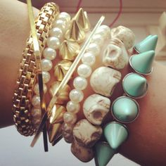 gold, pearls, skull and mint set of bracelet