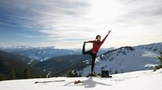 3 Simple Tips to Beat the Winter Blues As the winter months drag on, it's easy to feel isolated in your own little snow globe. Find out how to beat the winter blues with 3 easy strategies. Yoga For Colds, Meditation, Ways To Stay Healthy, Healthy Mind, Yoga Quotes, Quotes Quotes, Hot Yoga, Plein Air, Asana
