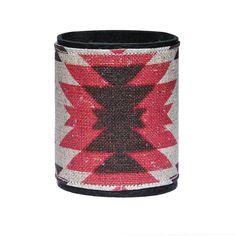Manchette en cuir Red Tepee, collection Pow Wow. Hannah Adamaszek, gispy, bohemian, native, navajo, summer, color, indian pattern, linen, mode, accessoire, bijoux, créateur, Satine création.