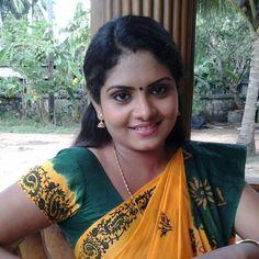 Beautiful Saree, Beautiful Indian Actress, Beautiful Women, Indian Wife, Indian Girls Images, Glamorous Makeup, Malayalam Actress, Indian Beauty Saree, India Beauty