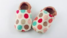 Baby shoes with colourful polka dots size 18-24 months by CucuKids