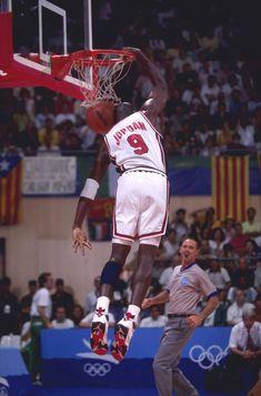 Michael Jordan Unc, Jeffrey Jordan, Michael Jordan Basketball, Mike Jordan, Olympic Basketball, Basketball Legends, Basketball Players, Olympic Games, Pickup Basketball