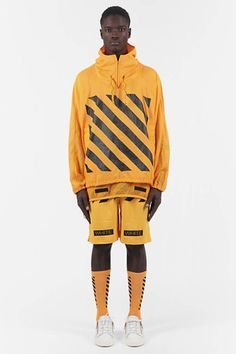Discover Virgil Abloh's take on street fashion. Off-White has been defining the grey area between black and white since and has become an iconic brand for millennials Cute Outfits With Shorts, Cute Outfits For School, Short Outfits, Streetwear Mode, Streetwear Fashion, Fashion Wear, Mens Fashion, Fashion Outfits, Off White Virgil