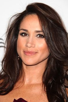 Suits Rachel Zane Hair | Meghan Markle is another young actor finding success with her biracial ...