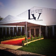 Lakeview Marquee Fantastic And Elegant Venue For Large Sized Weddings Enjoy The Outside View Of