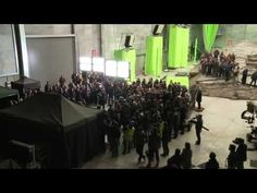 The Hobbit: An Unexpected Journey Extra - The Last Shot, and Richard Armitage receiving Orcrist as a gift.