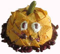 mexikanischer Schichtsalat  http://www.hausfrauenseite.de/rezepte/salat/eisbergsalat/mexikanischer_schichtsalat.html