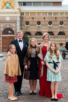 April Birthday Party for King Willem-Alexander. King Willem-Alexander and Queen Maxima with Princess Ariane, Princess Amalia, and Princess Alexia Dutch Princess, Dutch Queen, Prince And Princess, Nassau, Queen Of Netherlands, Queen Wilhelmina, La Haye, Style Royal, Estilo Real