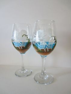 painting wine glasses | Hand Painted Beach Chair Wine Glasses by EverythingPainted on Etsy