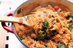 A quick and easy one pot pasta. Packed with nutritious greens and a thick, luxurious tomato & mascarpone sauce. Excellent midweek dinner!