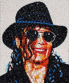 These are amazing!! Michael Jackson, Collages, Junk Art, Photomontage, Abuse Art, Mosaic Portrait, Trash Art, Unusual Art, Celebrity Portraits