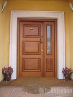 Interior Wood Doors – What You Must Look for While Buying Interior Wood Doors Wooden Front Door Design, Double Door Design, Wooden Front Doors, Wooden Door Hangers, Oak Doors, Home Door Design, Door Design Interior, Exterior Doors, Solid Wood