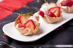 Strawberry tartlets: wonton skins and mascarpone