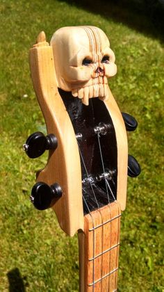 Lucky Voodoo Guitars Voodoo Devil headstock... the pocket design is interesting