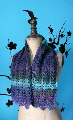 Petite écharpe réalisée au crochet - Un grand marché Creations, Long Scarf, Beaded Crochet, Handmade