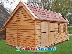 Een prachtige houtbouw kapschuur van lariks douglas hout. Creëer een landelijke uitstraling door blank hout te combineren met rode pannen.