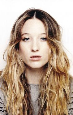 "Sophie Lowe - Born: June 5, 1990 in Sheffield, Yorkshire, England, UK Height: 5' 6½"" (1.69 m)"
