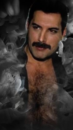 Freddie Mercury Tattoo, Queen Freddie Mercury, Freddie Mercury Birthday, Mom Show, King Of Queens, Queen Photos, Queen Band, John Deacon, Killer Queen