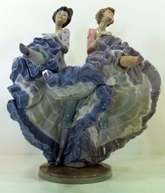 """Retired Lladro """"Can Can"""" dancers figurine #5370"""
