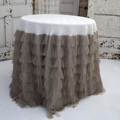 Attrayant Chichi Petal And Jute Tablecloth